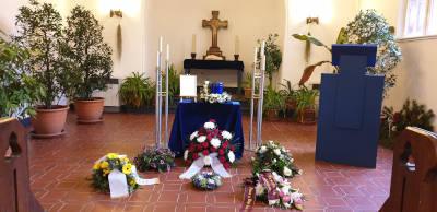 würdevolle Bestattung mit Trauerfeier